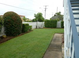 Large three bedroom unit with courtyard in Chermside/Kedron.
