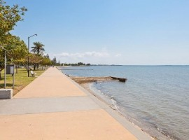 Affordable waterfront unit in Sandgate.