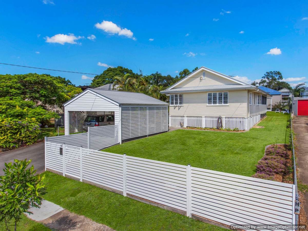 Perfect Family Home In Wavell Heights Rpm Australia